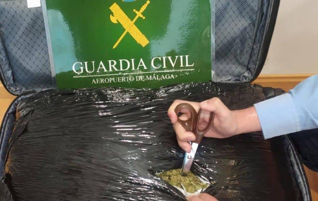 Gearresteerd met 9 kilo marihuana op vlucht Málaga-Amsterdam