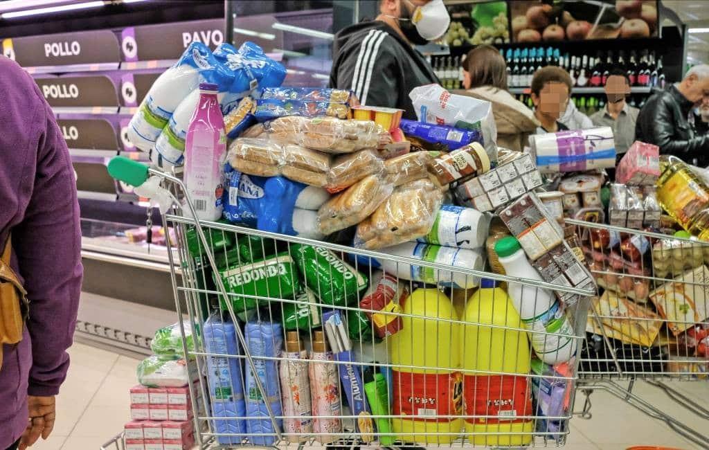 Na het wc-papier hamsteren wordt nu veel bier verkocht in Spanje