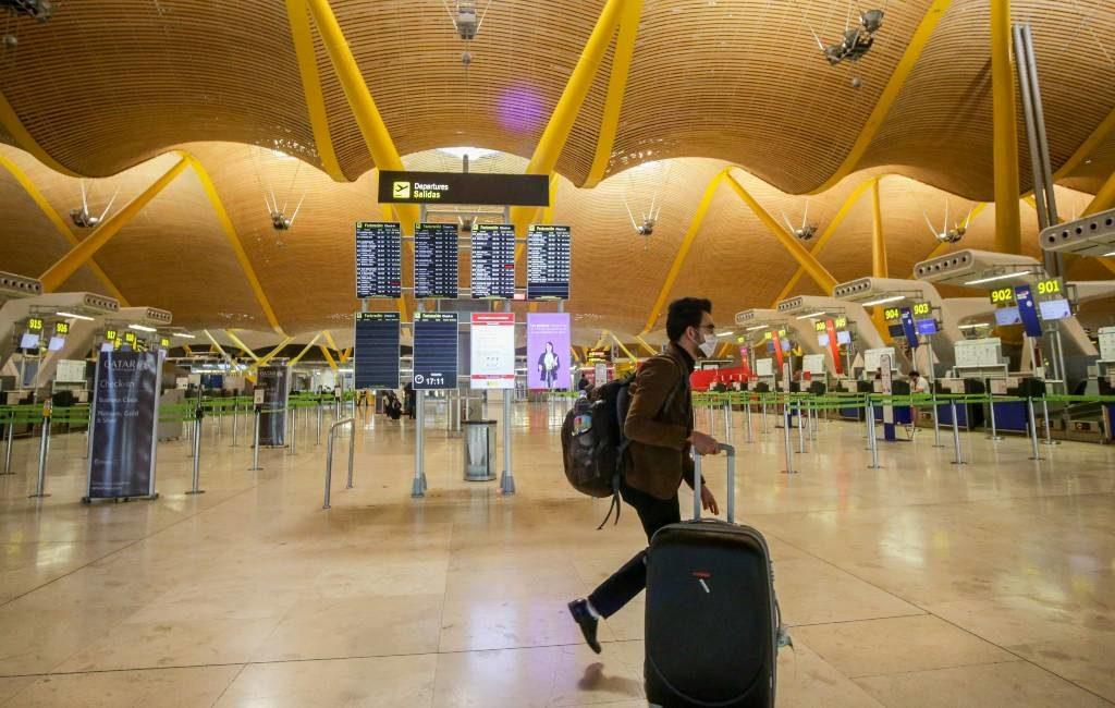 Terminals Spaanse vliegvelden worden gesloten