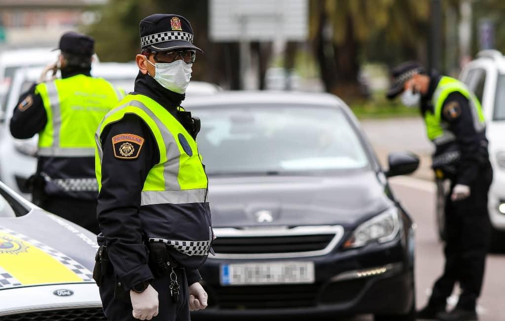 Aantal boetes en arrestaties stijgt in derde week noodtoestand Spanje