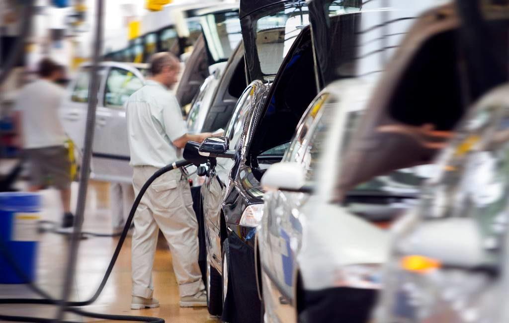 Autofabrieken in Spanje hervatten deels het werk