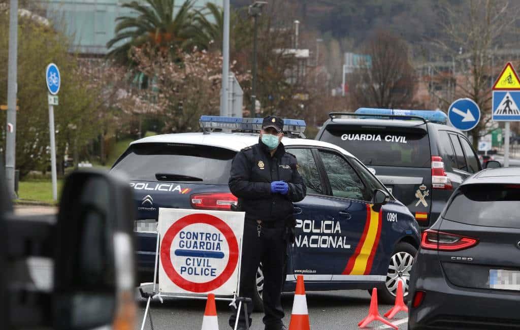 Half miljoen boetes en 4.500 arrestaties na vier weken noodtoestand Spanje