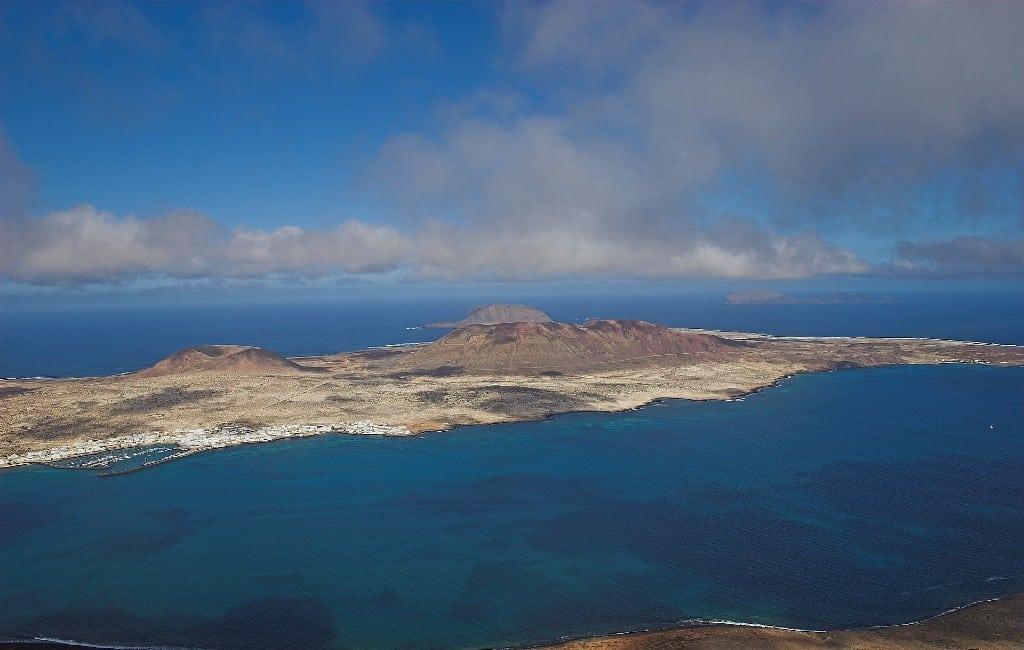 Twee eilanden zonder coronavirus besmetting in Spanje