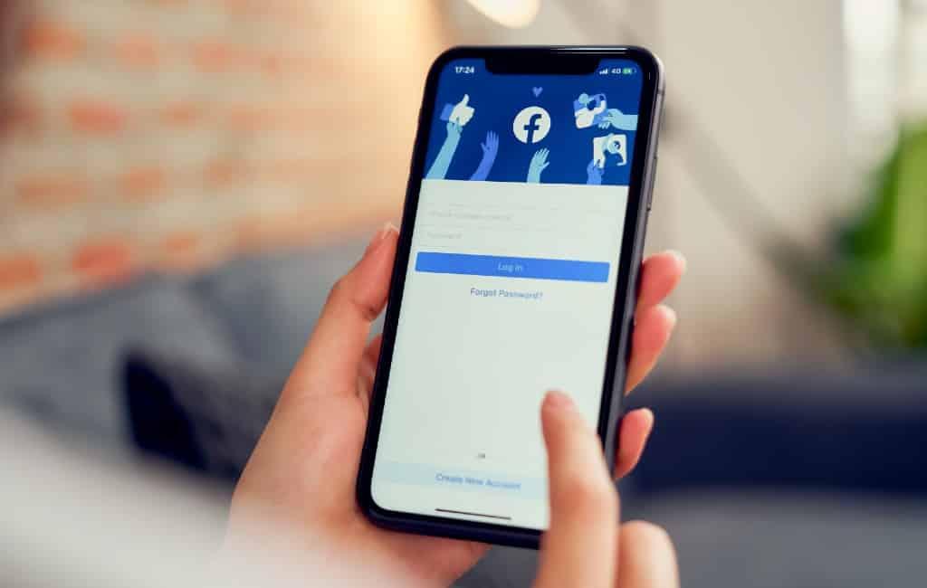 Verdachte valse accounts en bots steunen de Spaanse regering op Facebook