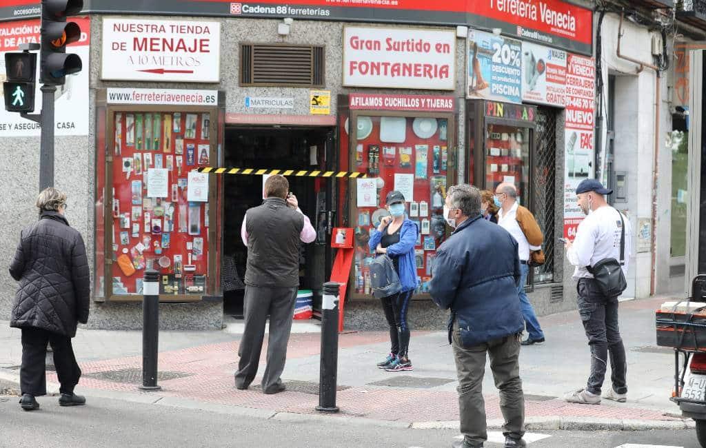 Kleine ijzerwarenwinkels doen goede zaken in Spanje