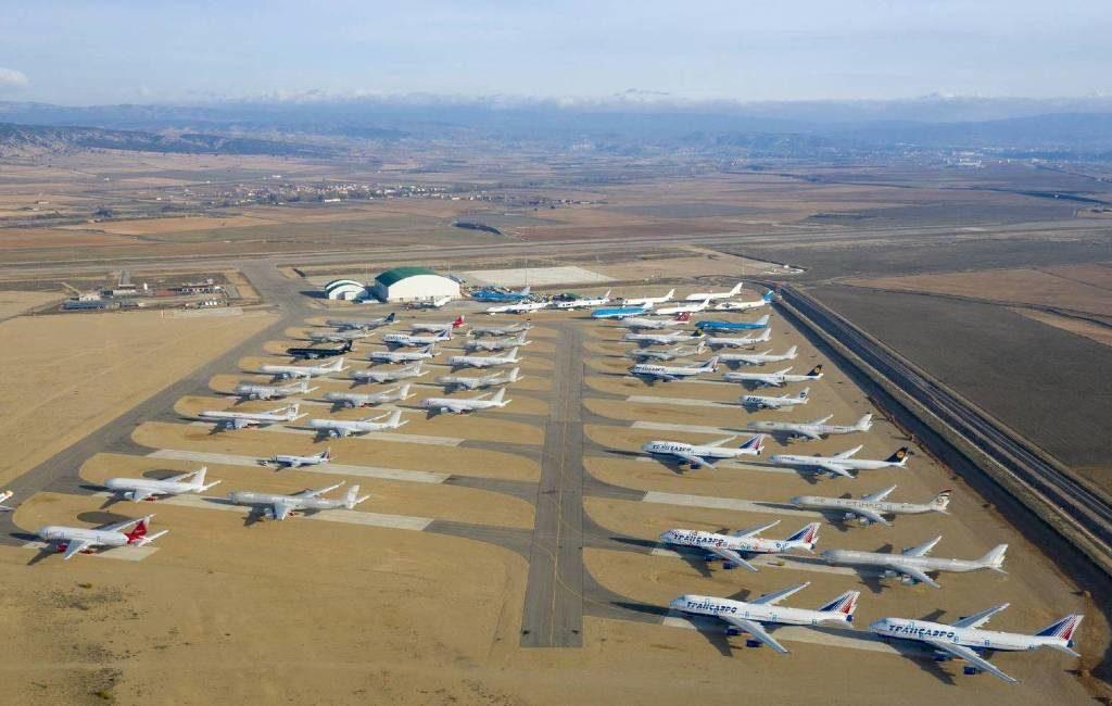 Vliegveld van Teruel enorme parkeerplaats vliegtuigen