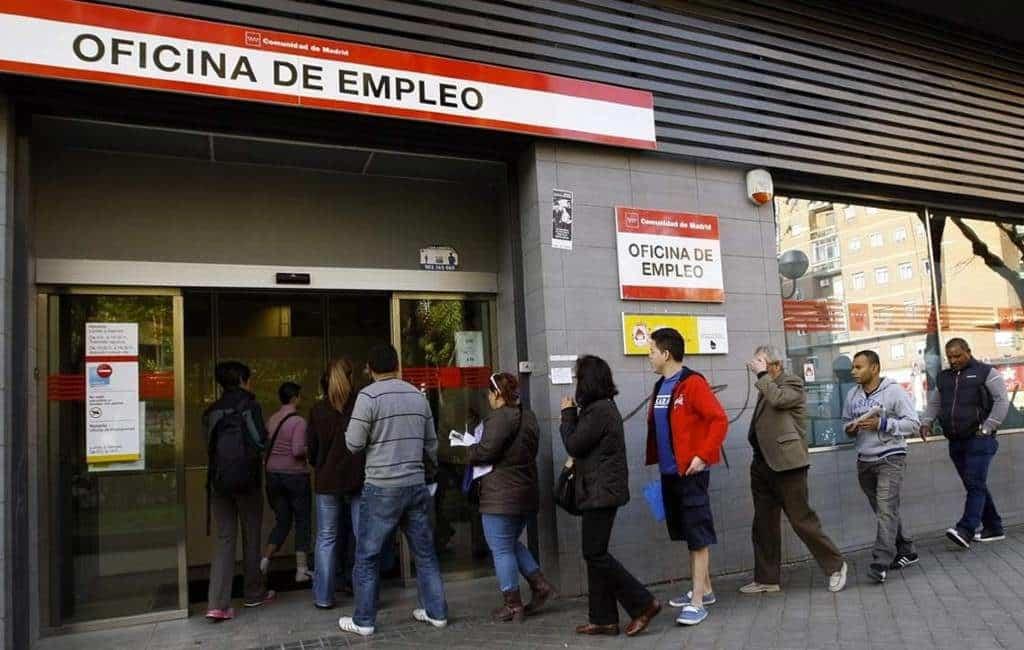 Werklozen en aantal werkenden stijgen in Spanje