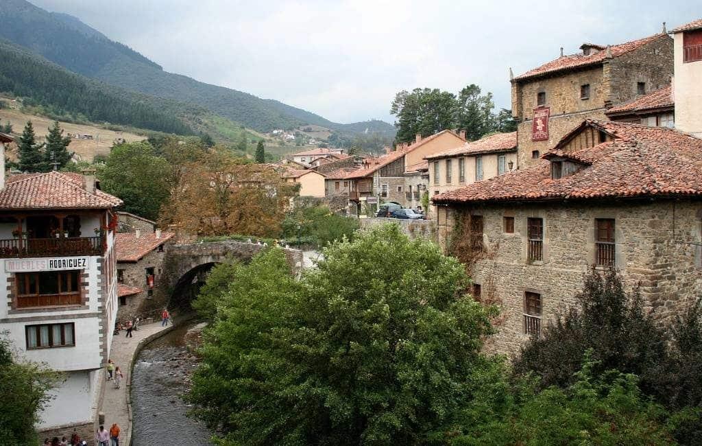 Zomerhitte en drukte vermijden in Spanje kan in: Cantabrië