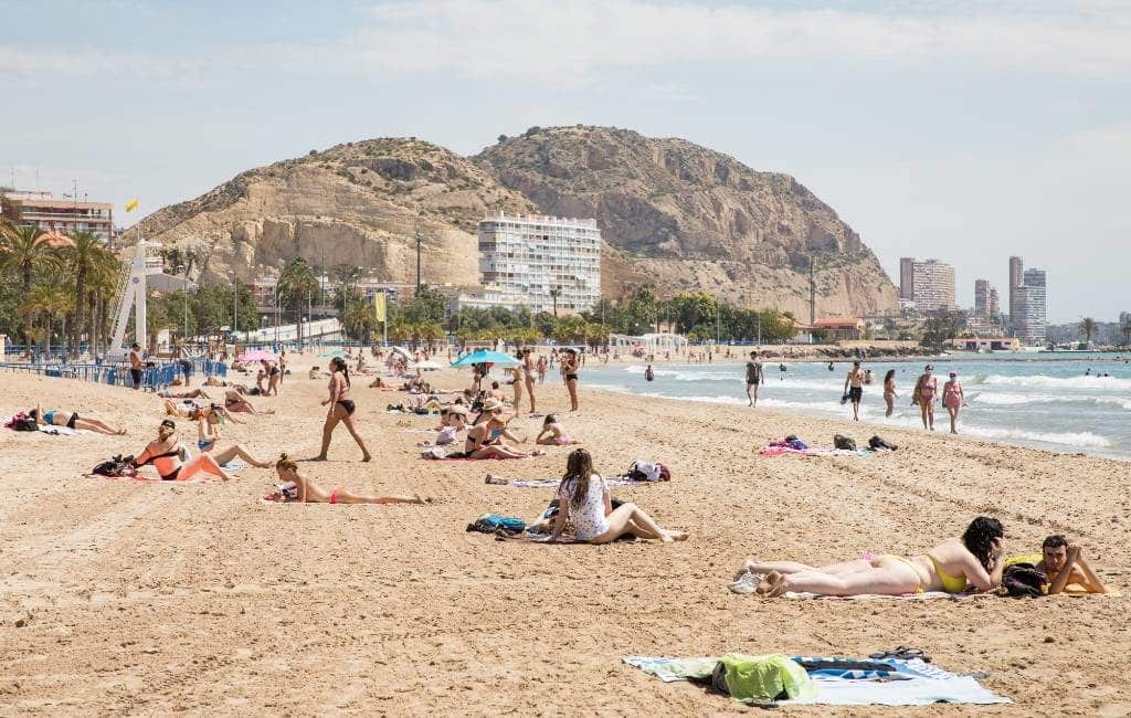 5.000 sollicitanten voor 1.000 strand informateurs Valencia regio