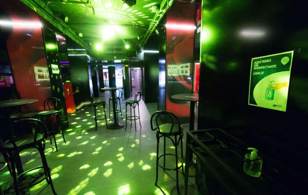 Catalaanse regioregering sluit alle discotheken, dans- en feestzalen in Catalonië