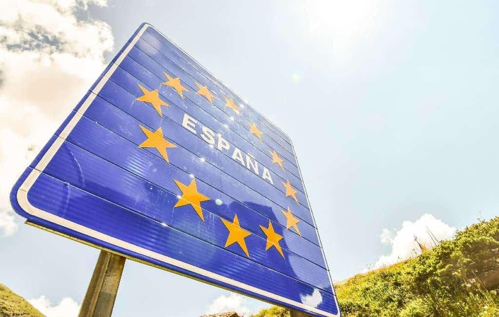 Frankrijk sluit grenzen met Spanje niet maar raadt aan niet naar Catalonië te reizen