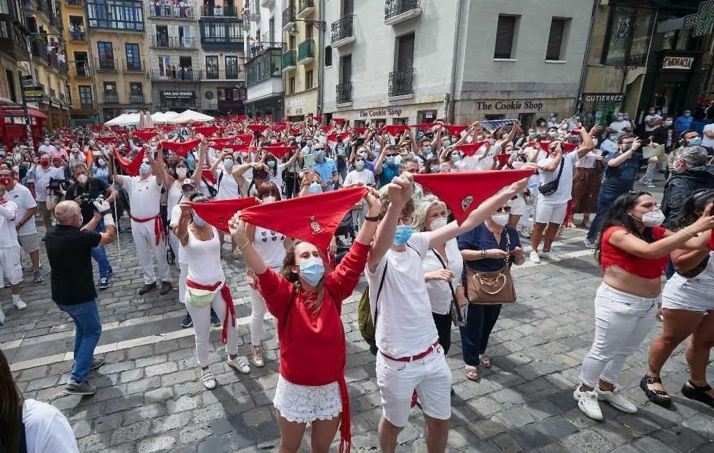 Niet toegestane San Fermín feesten Pamplona zorgen voor corona-uitbraken