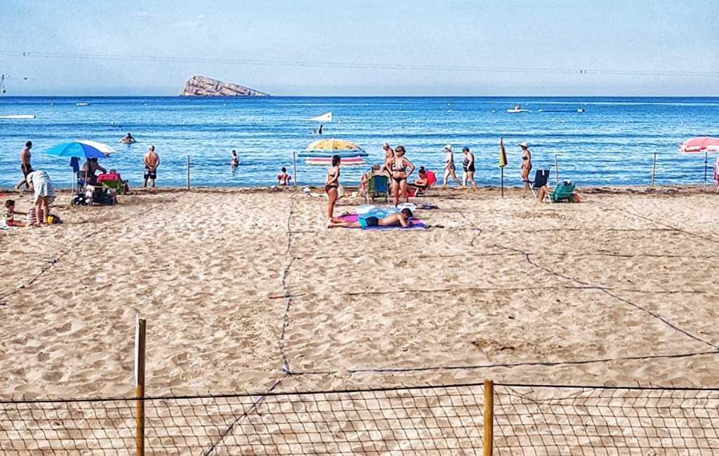 Reserveren voor een plaatsje op strand Benidorm niet meer nodig