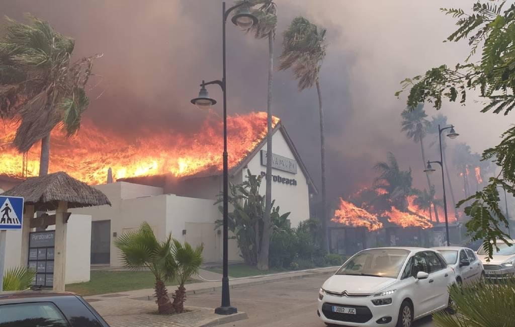 Grote brand in toeristisch centrum Estepona