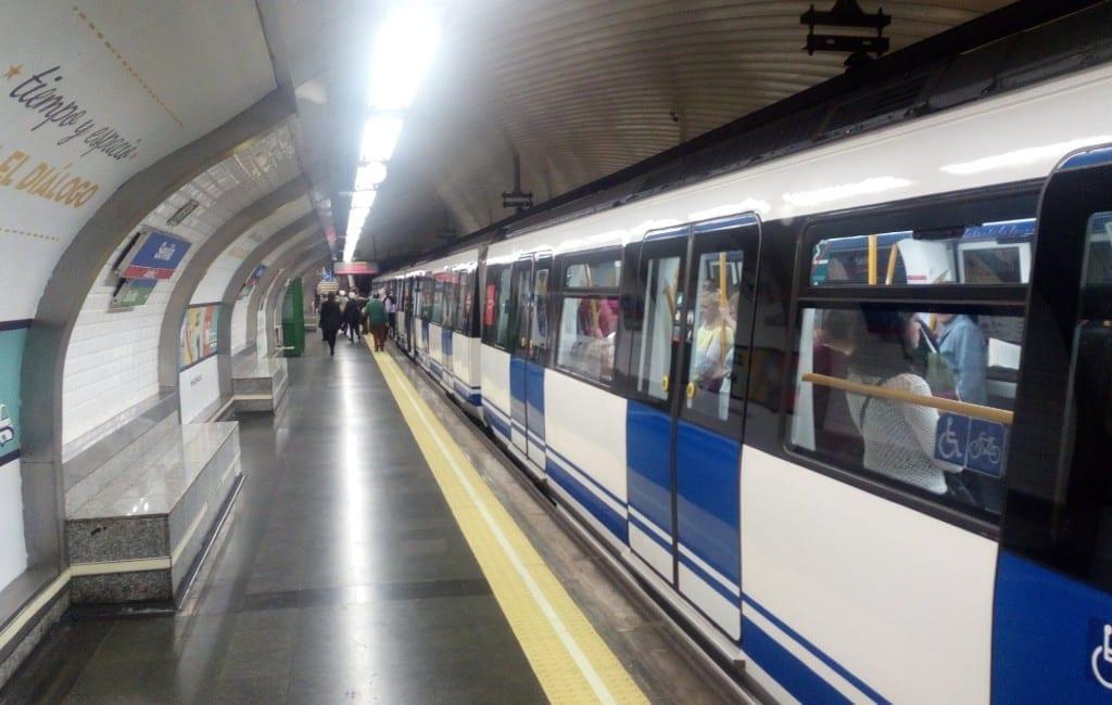 Verboden te eten en drinken in de metro en bussen in Madrid