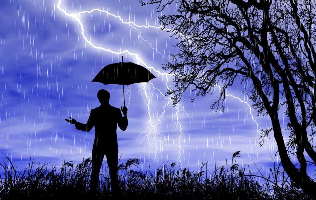 Man in Madrid gewond na blikseminslag via paraplu