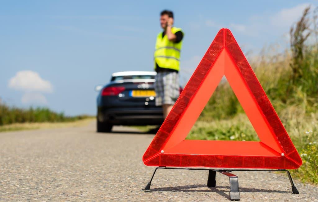 Vijf dingen die je in de auto moet hebben om een boete te vermijden in Spanje
