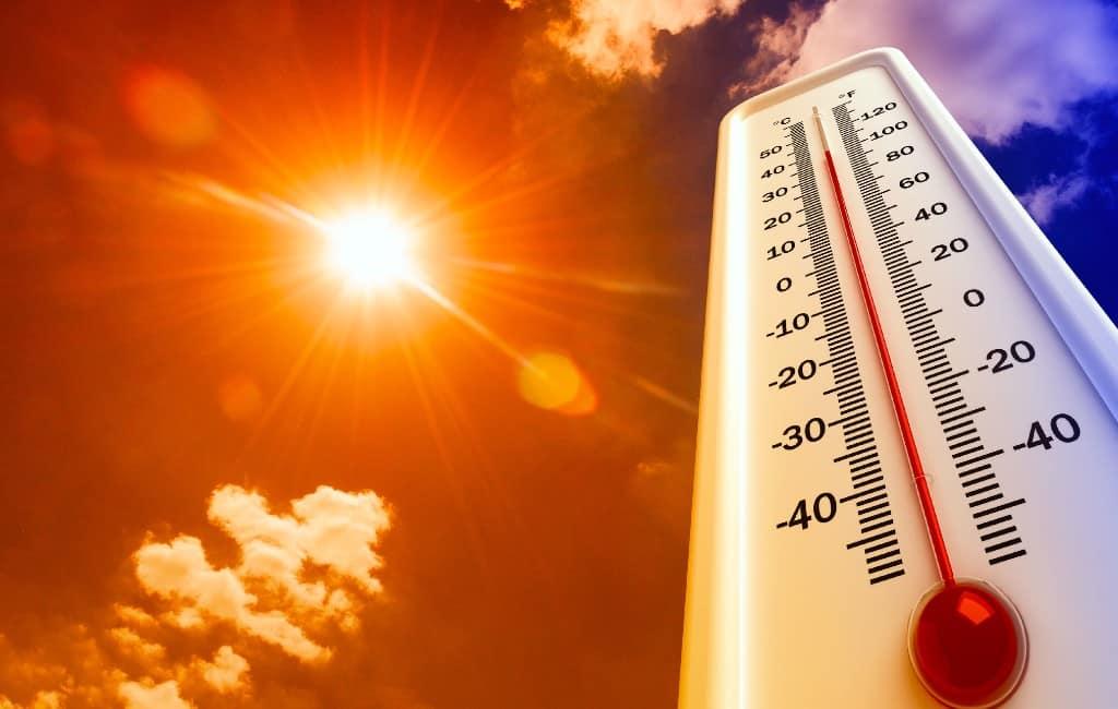 Zweten aan de Spaanse Costa's en eilanden 44,4 graden