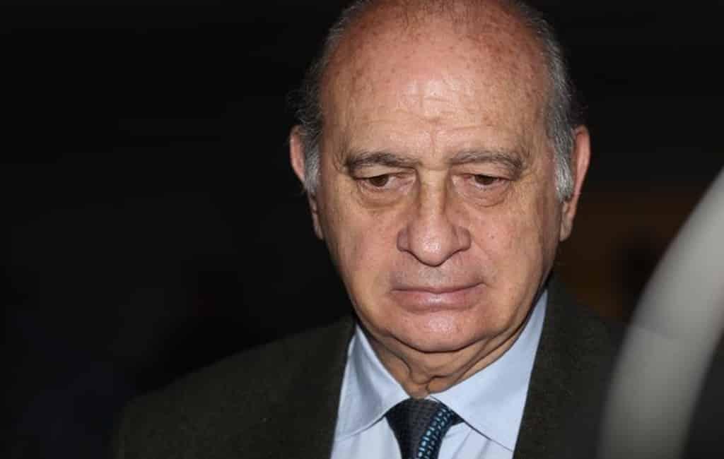Voormalig minister van Binnenlandse Zaken (PP) aangeklaagd voor spionage