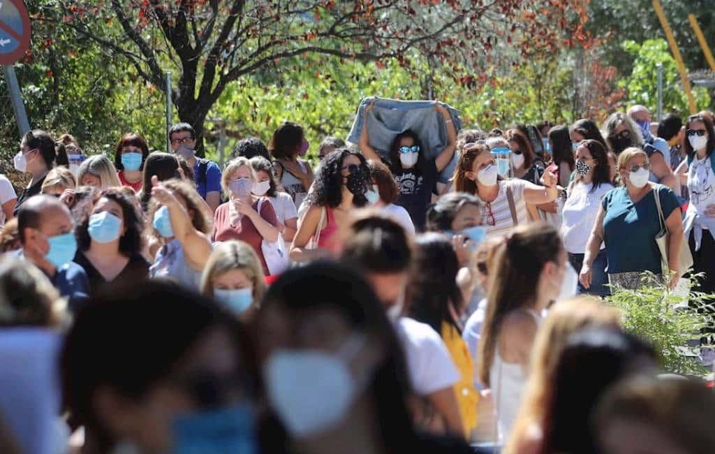 Leerkrachten worden op corona getest in Madrid en dat gaat meteen al mis