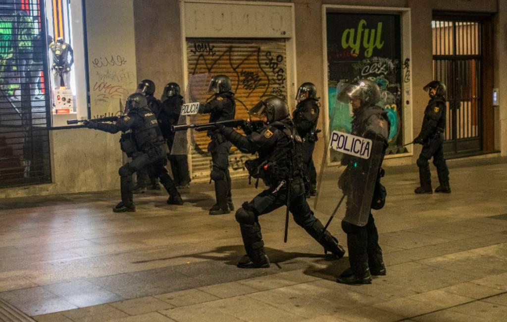 Weekend van gewelddadig (corona)protest op straat in Spanje