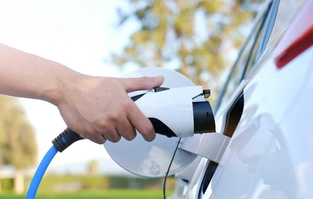 Aantal oplaadpunten elektrische auto's nog steeds erg laag in Spanje