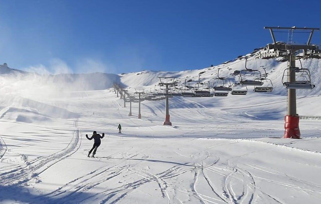 Eerste echte sneeuw gevallen in de Sierra Nevada zorgt voor ski-hoop