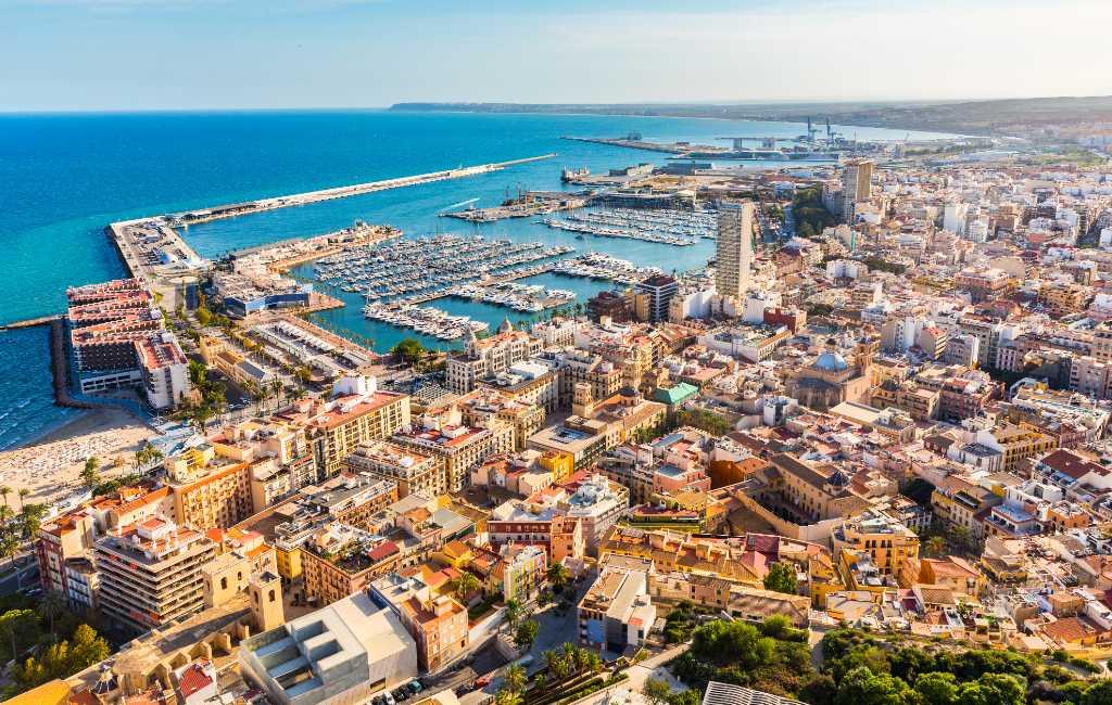 Bijna 23.000 inwoners meer in provincie Alicante dankzij buitenlanders