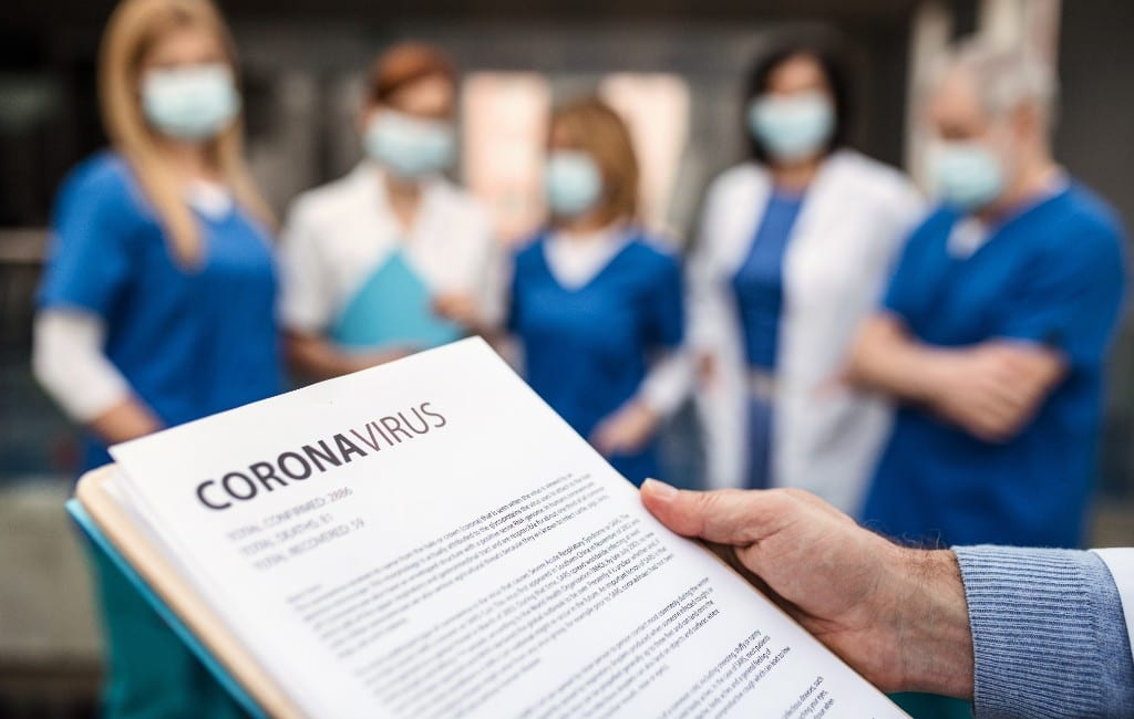 43 positief op corona geteste personen per uur in provincie Alicante