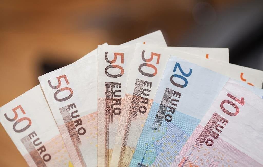Corona-crisis zorgt voor daling contant geld betalingen in Spanje