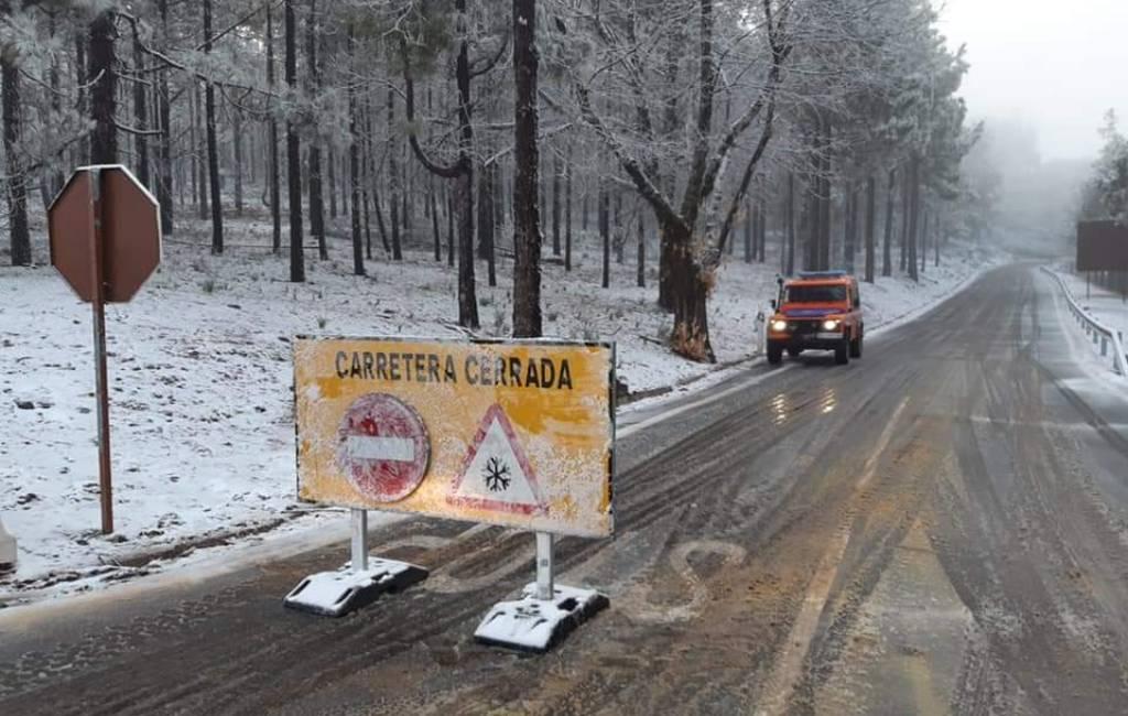 Diverse Canarische Eilanden bedekt met sneeuw