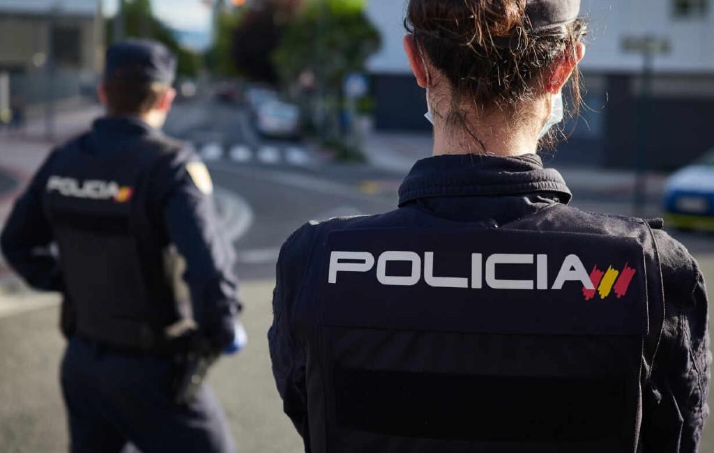 Vrouwelijke Policía Nacional agenten willen dezelfde lengte als het leger en Guardia Civil