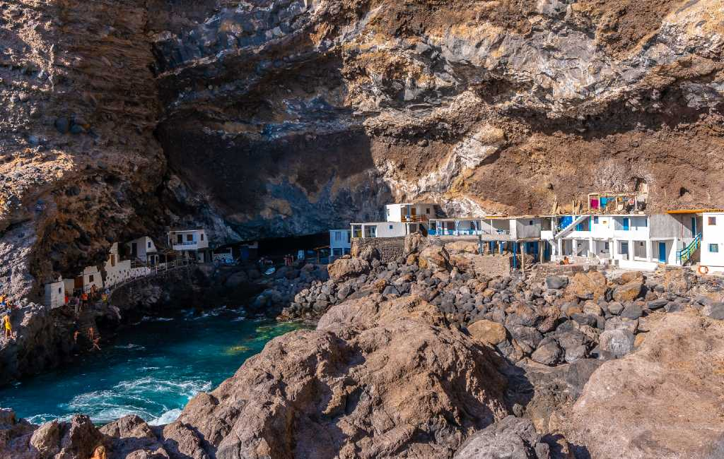 Het in een grot verscholen dorp Porís de Candelaria op het eiland La Palma