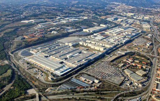 De Seat fabriek bij Barcelona wordt corona vaccinatieplaats