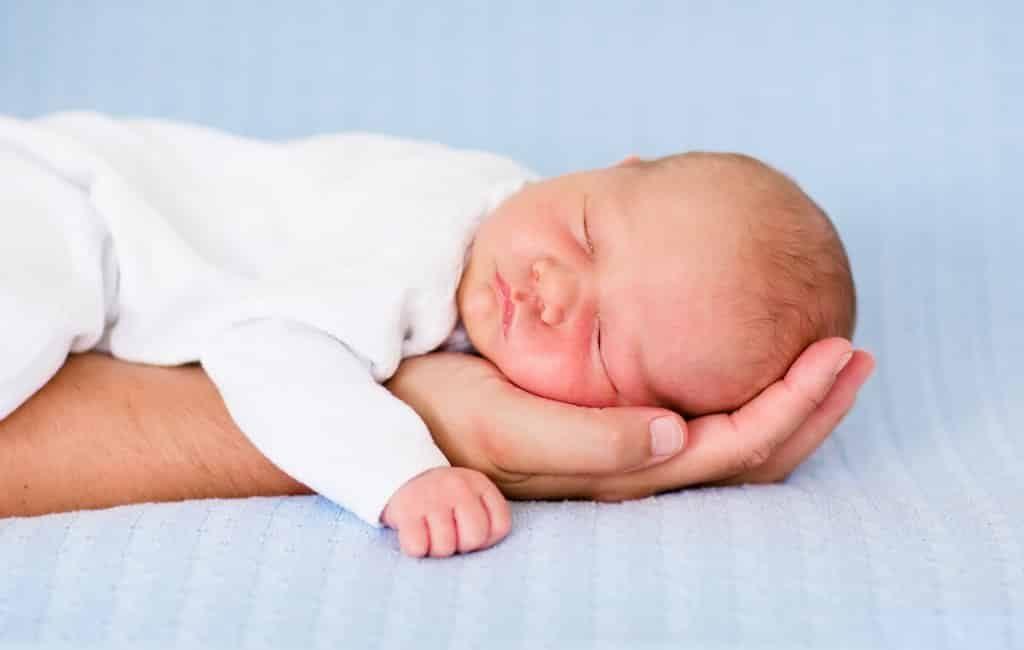 Aantal nieuwgeborenen historisch gedaald eind 2020 en begin 2021 in Spanje