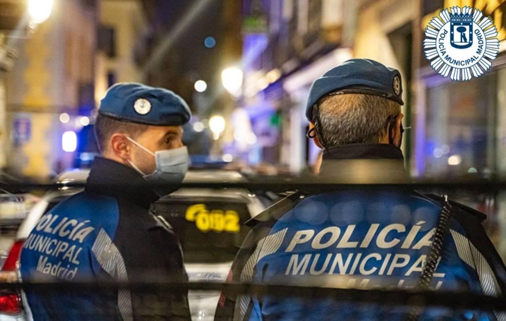 Franse jongeren vliegen massaal naar Madrid om te 'feesten' en een covid-relaxte vakantie