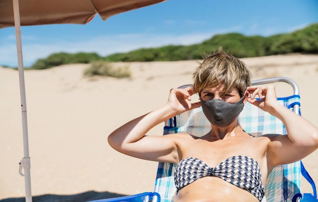 Mondkapjesplicht-wet op strand en in de natuur wordt geanalyseerd en niet overal toegepast