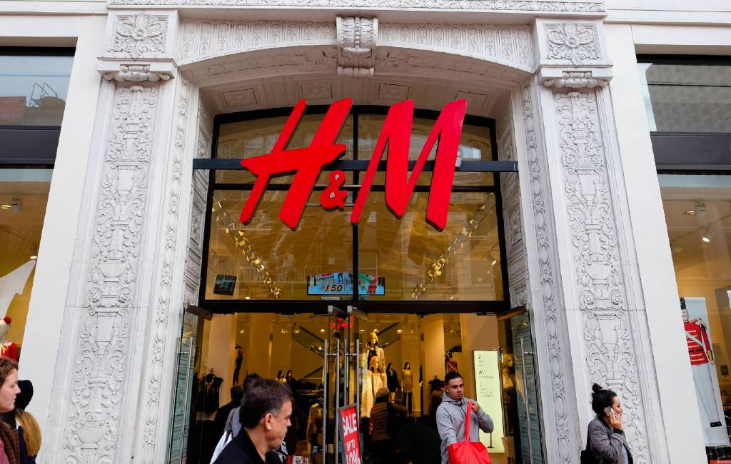 H&M sluit 30 winkels in Spanje en ontslaat 1.100 werknemers