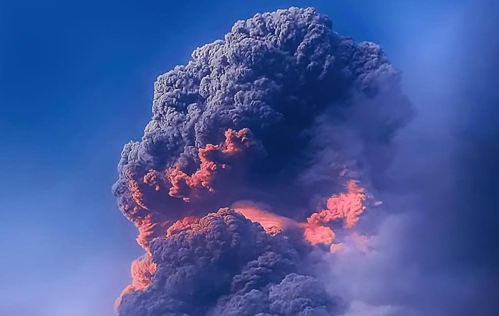 Vulkaanas met zwaveldioxide van het eiland Saint Vincent kan Spanje bereiken