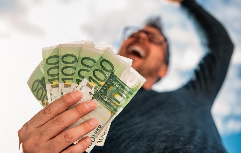 Tot 6.000 euro per maand verdienen aan verhuur fietsen, campers, zwembaden etc. in Spanje