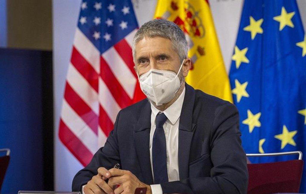 Minister Binnenlandse Zaken en voormalig vicepremier Spanje ontvangen dreigbrieven met kogelpatronen