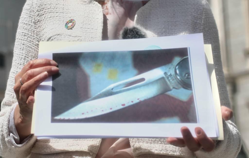 Man met schizofrenie stuurt brief met bebloed mes naar Spaanse minister van Toerisme