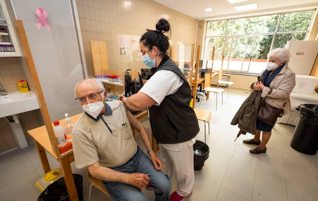 Corona-vaccinatie nieuws: Nieuw vaccinatie-record en miljoenen vaccins naar Spanje