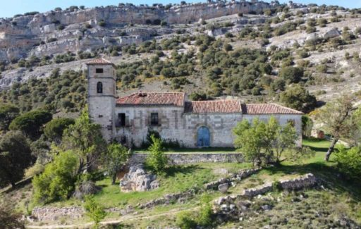 Wil jij een kerk, klooster boerderij, bos en waterval kopen in Soria? Dat kan!