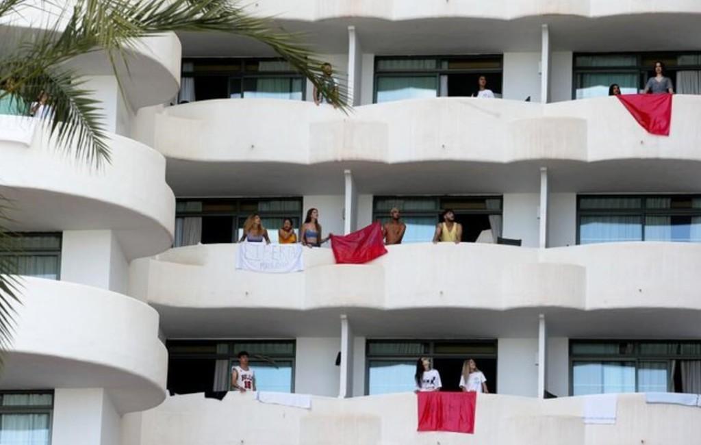 'Hotel Covid' op Mallorca: jongeren die in een hotel in quarantaine moesten, maken het bont