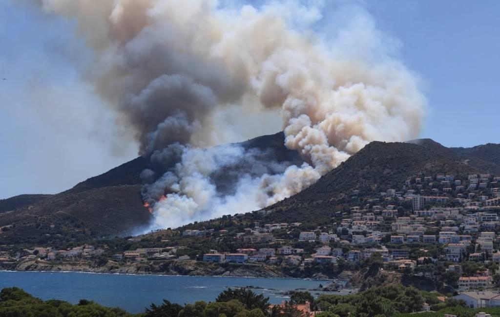 Grote natuur- en bosbrand aan de Costa Brava in Llançà en Cap de Creus