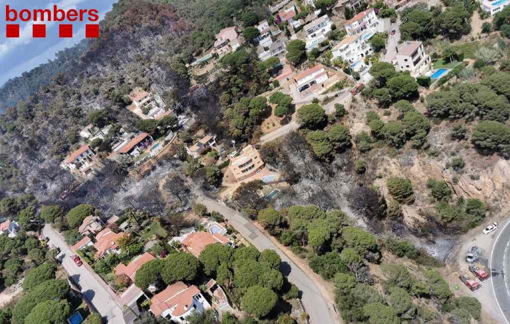 Natuurbranden verwoesten 225 ha in Castellví nabij Barcelona en 7 ha in Lloret de Mar