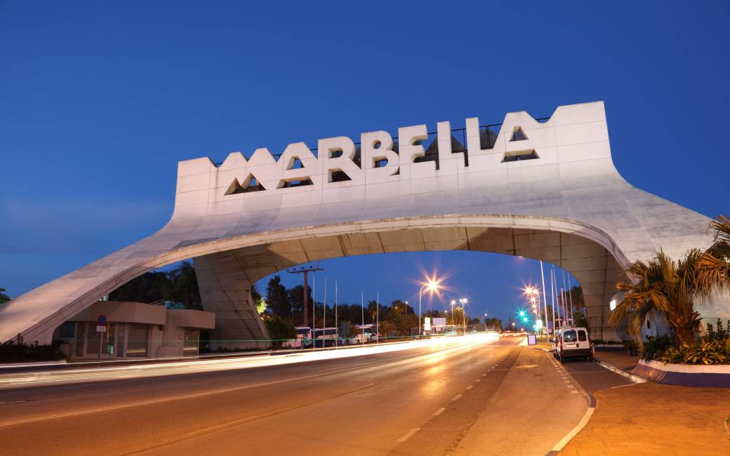 Avondklok in Marbella en Estepona na goedkeuring rechters in Andalusië