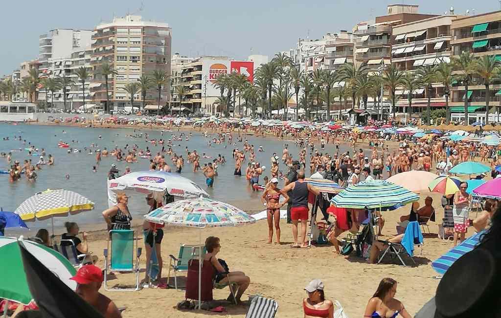 Strandje pikken in Torrevieja lijkt wel een komische film