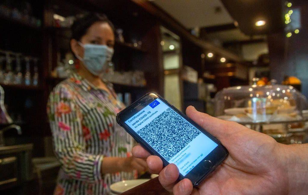 Hooggerechtshof annuleert corona-certificaat eis in binnenruimtes horeca op Tenerife